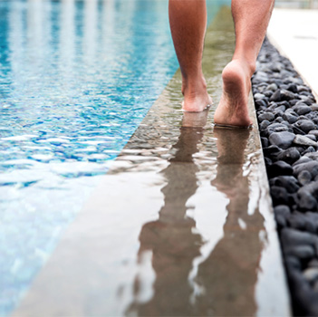 A swimming pool rash can develop within as little as a few hours after  swimming and cause an unsightly rash accompanied by itching, swelling and  redness.